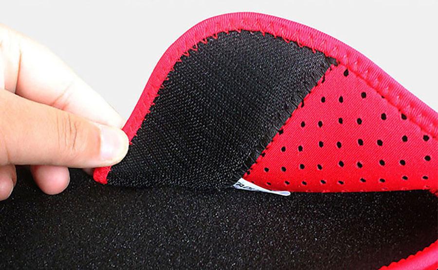 Có miếng dán nhiều lớp quấn chặt, giúp tư thế thẳng, không đau lưng