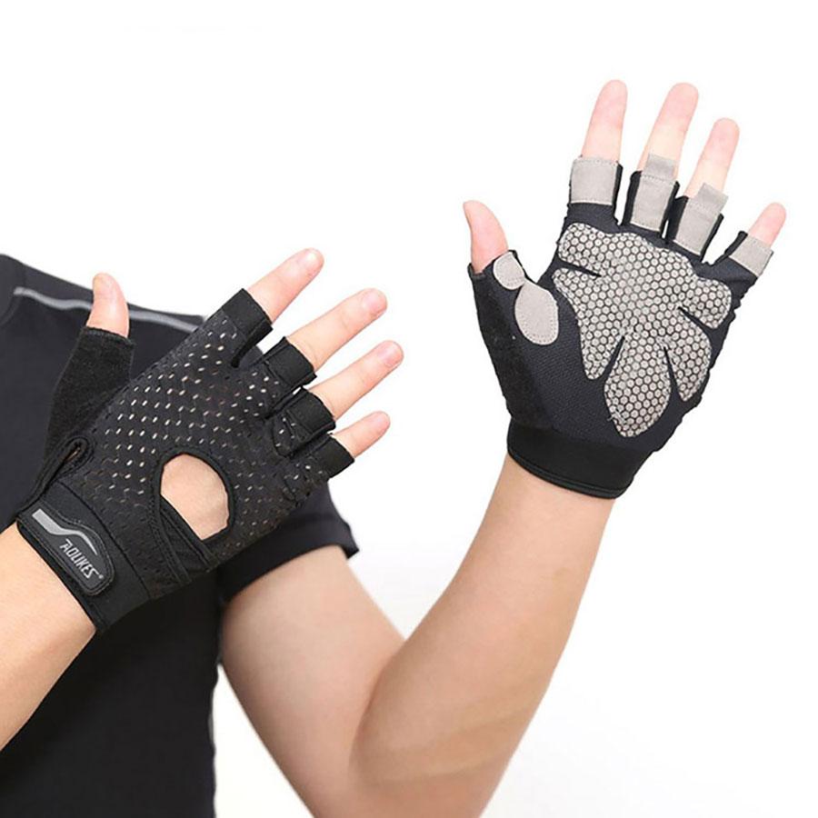 Găng tay tập Gym giúp các gymer tránh chấn thương mạnh khi tập luyện