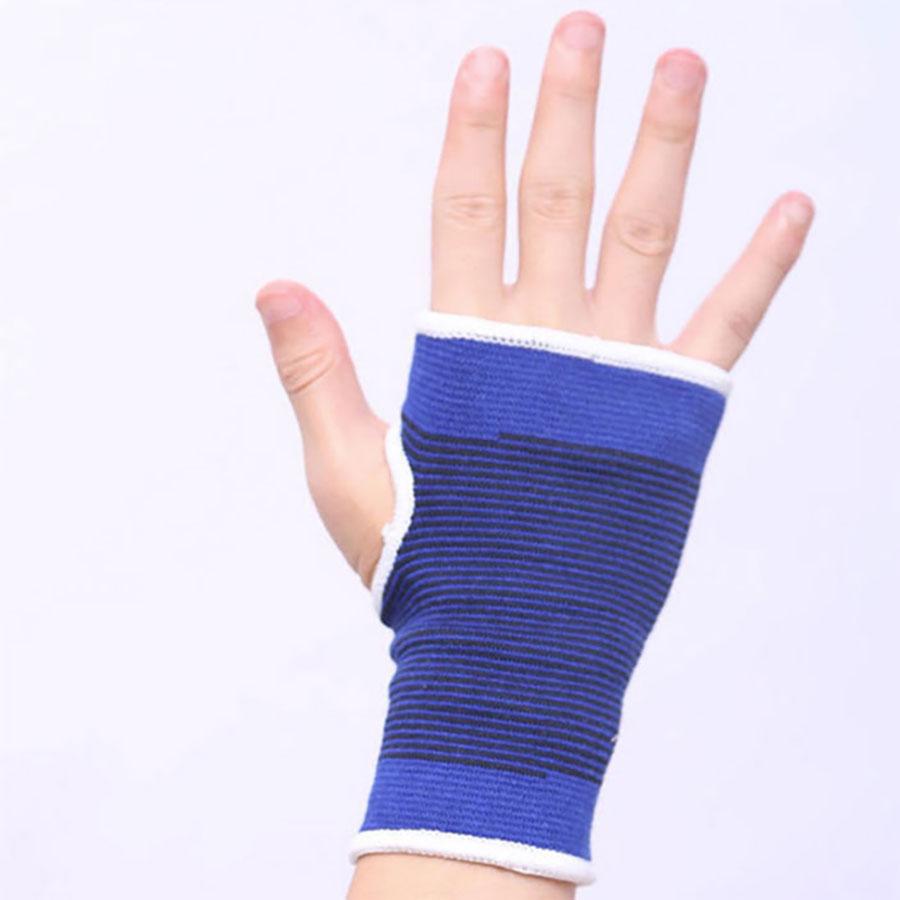 Độ dài găng đến 1/3 ngón tay, không bí bách, chuẩn form dáng