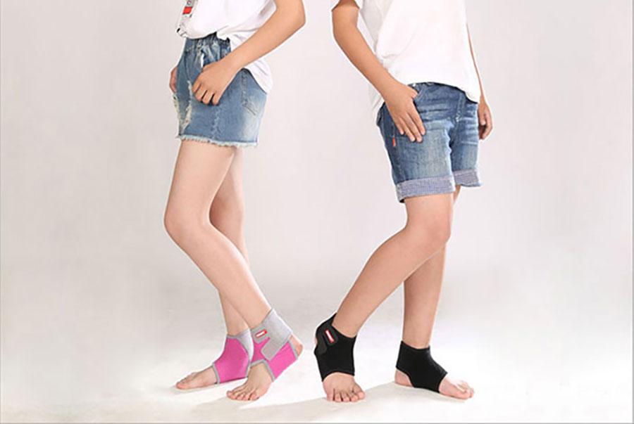 Chất cotton và cao su giúp bảo vệ mắt cá chân tránh chấn thương