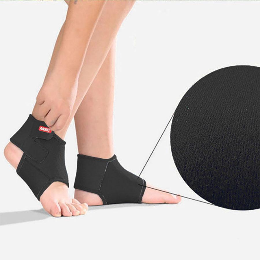 Bề mặt đai bảo vệ mắt cá chân có chất liệu cotton giữ chân luôn khô thoáng, không gây mùi