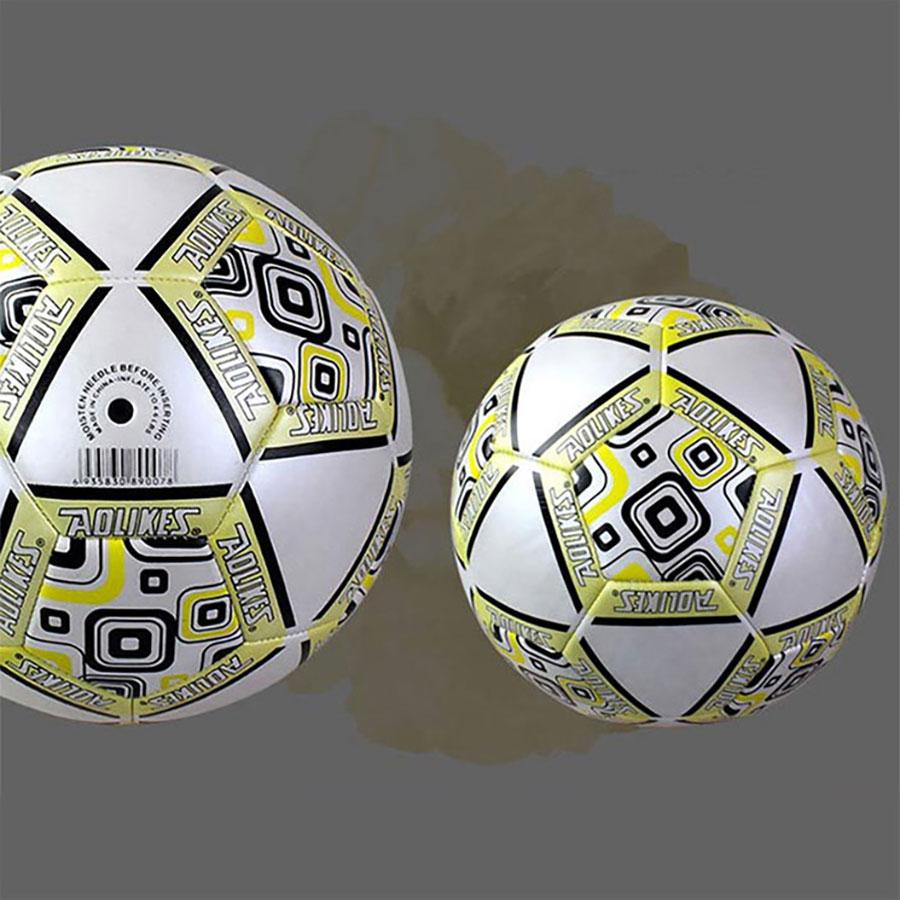 Bóng đá Aolikes được thiết kế đẹp mắt, có ô vải đệm được khâu bằng chỉ chuyên dụng.