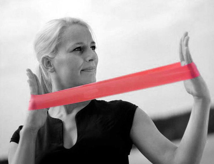 Dây tập thể dục được làm từ chất liệu cao su tự nhiên có tính năng đàn hồi tốt