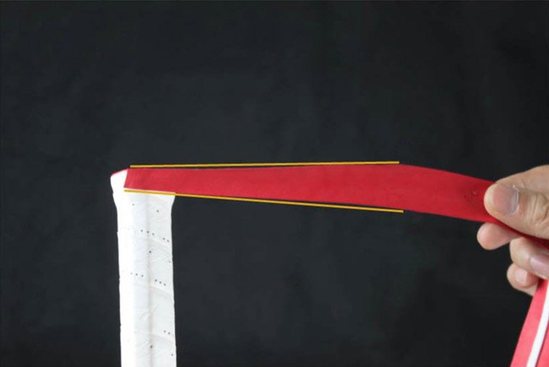 Cách để cuốn cán vợt cầu lông bước 1