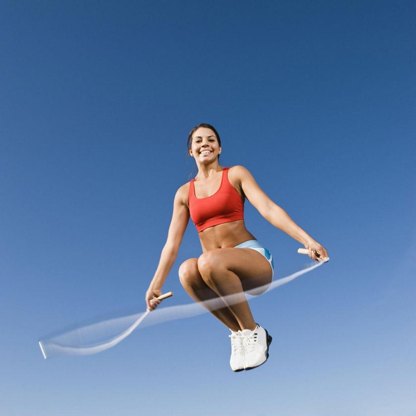 Nhảy dây bằng mũi có làm bắp chân to không?